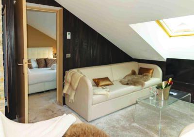 Label_Habitat_Hôtel_Méribel_Suite_de_Luxe_Salon_Vue_Chambre